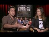 Оливия Уайлд(Olivia Wilde) иДжейк Джонсон(Jake Johnson) интервью с Даном Дунномом   (Dan Dunn)